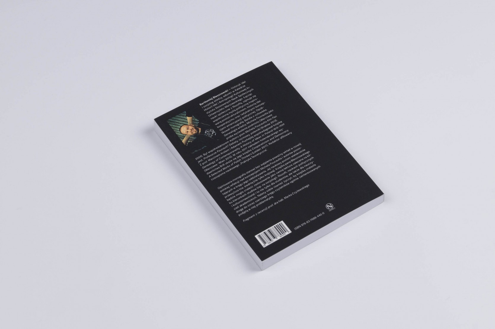 Book cover — Bartłomiej Błesznowski — Antyhumanistyczna teoria polityki w myśli Michela Foucaulta